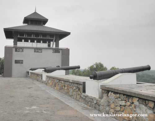Cannons on Bukit Melawati (Melawati Hill)