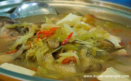 Steam Fish with Pickle (salted vege) Soup in Restoran Makanan Laut River View