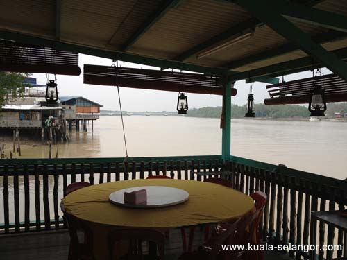 Peaceful and Calmness view of Selangor River at  Kuala Sungai Seafood Restaurant